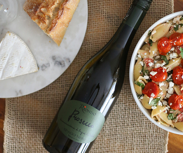 HOSTING A WINE AND CHEESE TASTING WITH RIONDO PROSECCO